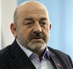 Enver Petrovci biografi