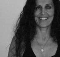 Laura Bari