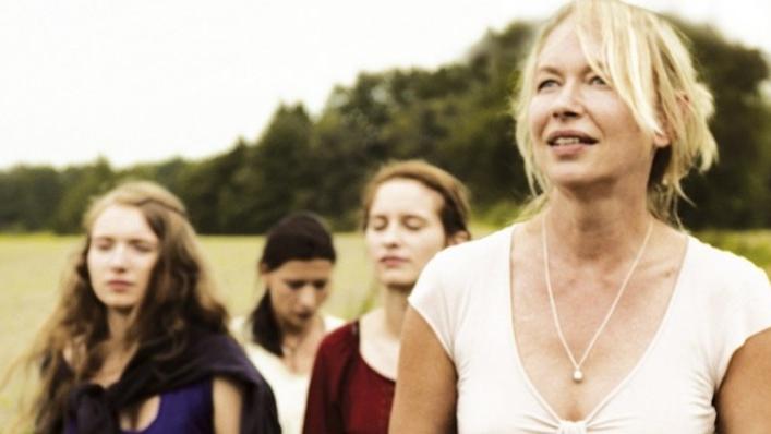 La mujer del lago (2013)