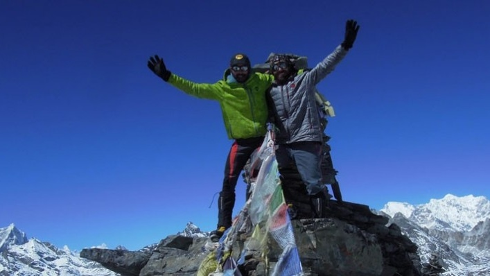 Los hombres que querían subir una montaña de más de 8.000 metros