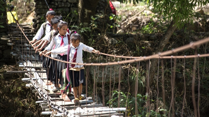 Camino a la escuela (Serie)