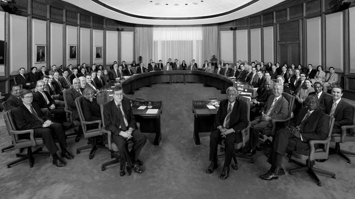 El Cercamiento: La democracia presa del Neoliberalismo