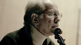 Kremer interpreta a Bach