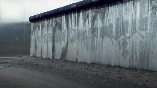 Contra el muro