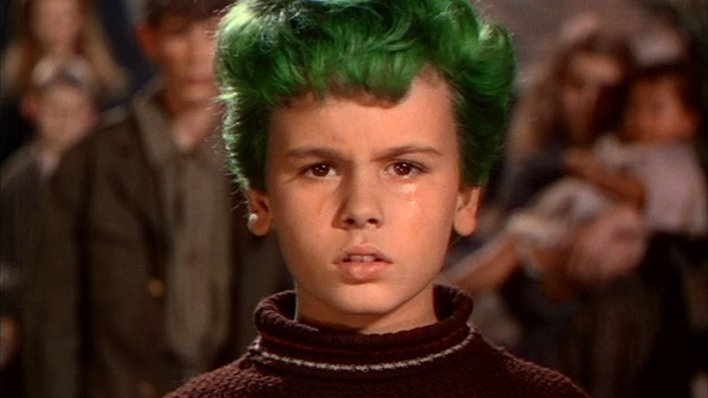 El muchacho de los cabellos verdes