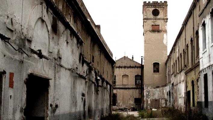 Destruir y construir, historia de una fábrica